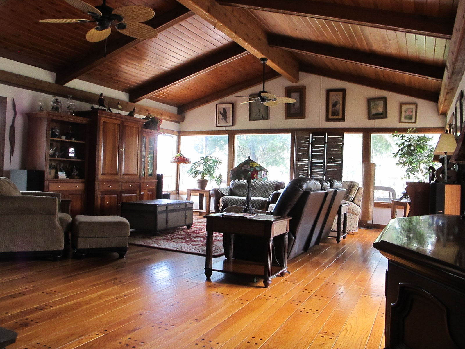 Family Room overlooking Withlacoochee River