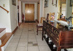 Tiled Entry Foyer